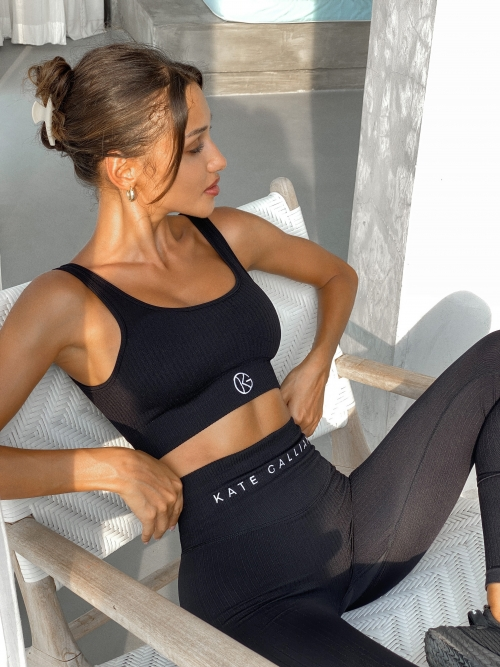 ribbed seamless set leggings and sports bra in black